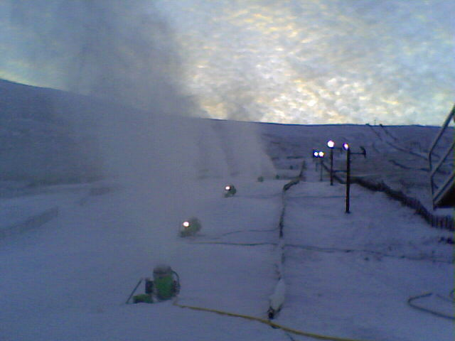 Snow Making on the Claybokie on 31st Dec 2008.
